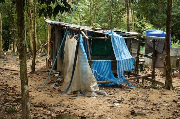 Ésta es una casa local del medio de la montaña, a donde los turistas no llegan.