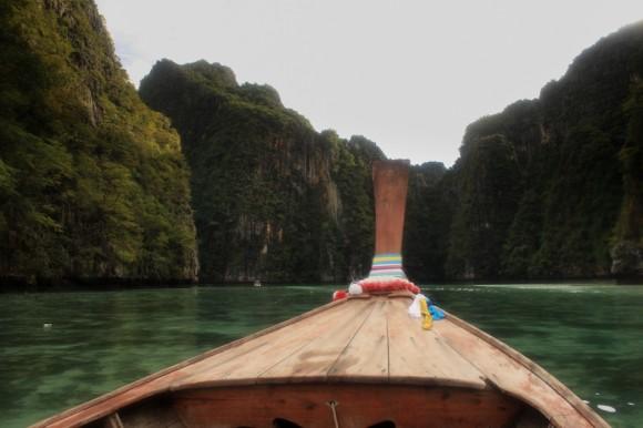 En esta foto se ve algo de lo que queda del coral en Phi Phi Lee.