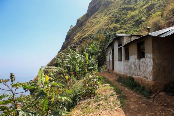 Además de las que se alquilan, también hay casas de lugareños que viven en la granja.