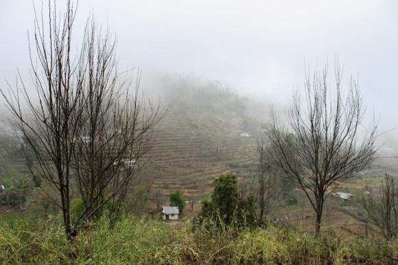 """Una de las casitas que nos preguntábamos si sería """"Karuna"""", en el valle previo a la granja."""