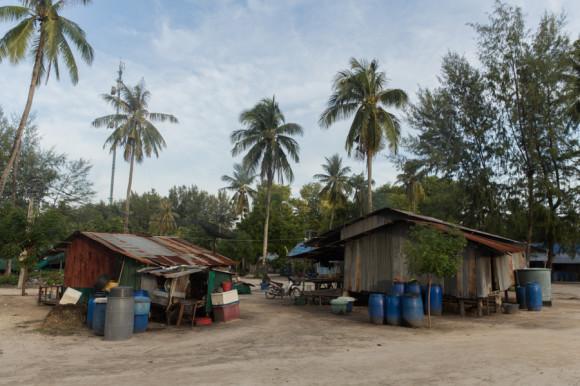 Uno de las aldeas principales está al norte de la Sunset Beach.