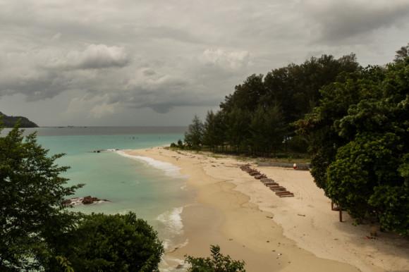 Ésta es la misma playa que la de las modelos chinas pero vista desde la montaña (bien al norte de Sunset Beach).