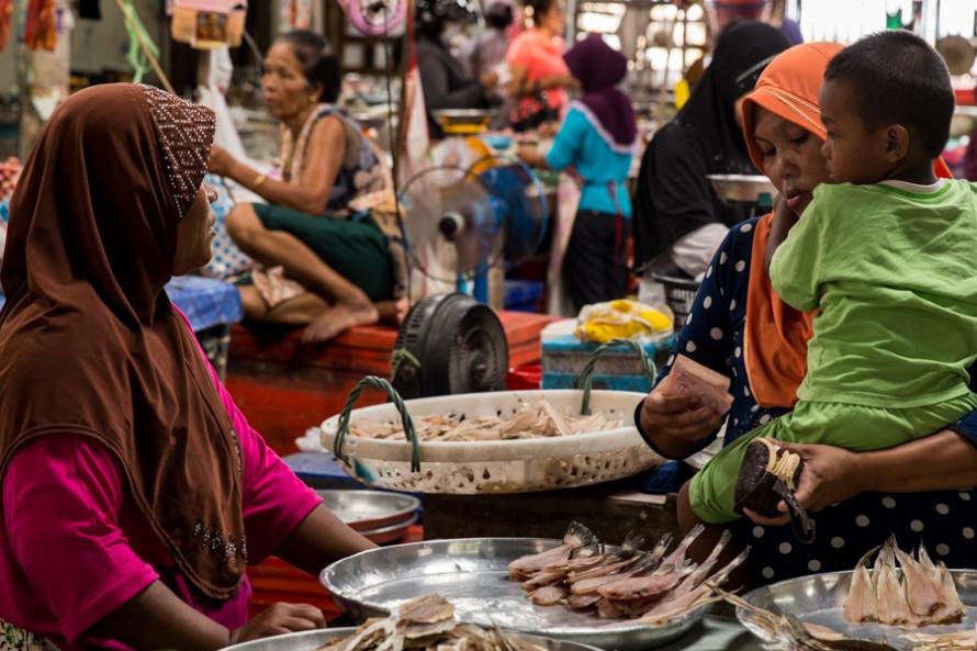 Otros mercados son los de frutas, verduras y pescados.