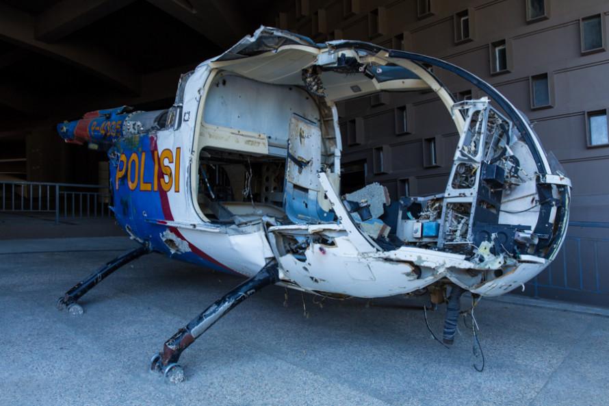 Los restos de un helicóptero de la policía.