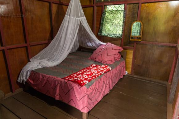 Una habitación básica (60.000 IRD) en Rainforest. Una igual pero con el colchón en el piso sale 40.000 IRD.