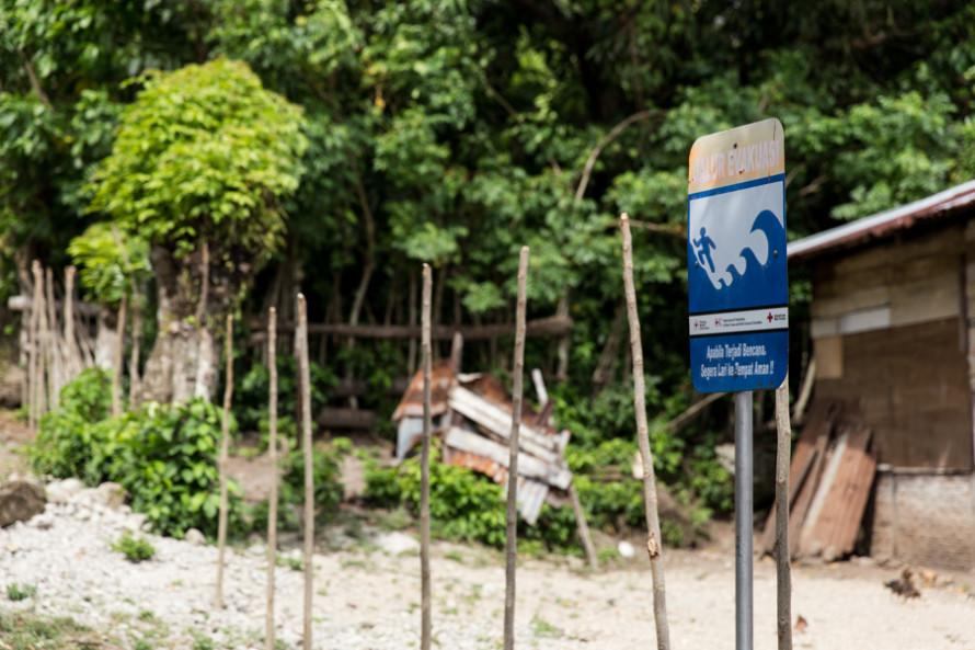 La isla fue azotada (y mucha gente muerta y desaparecida) por el tsunami del 2004.