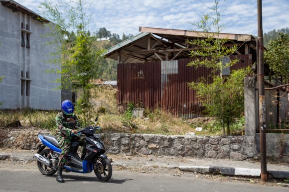 ...o la versión indonesia del affair argento policía-mensaje de texto.