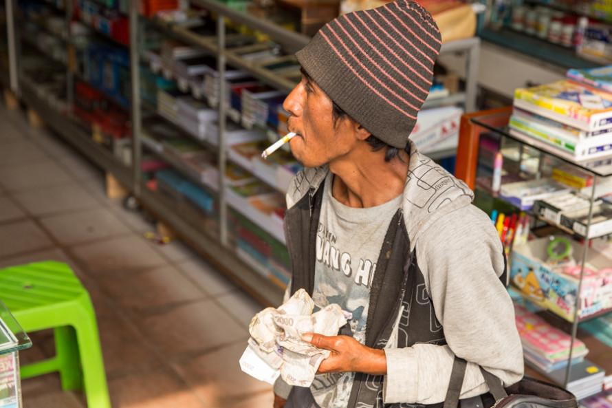Un paquete de cigarrillos sale U$S1.4 y el consumo representa un gasto de 13.900 millones anuales.