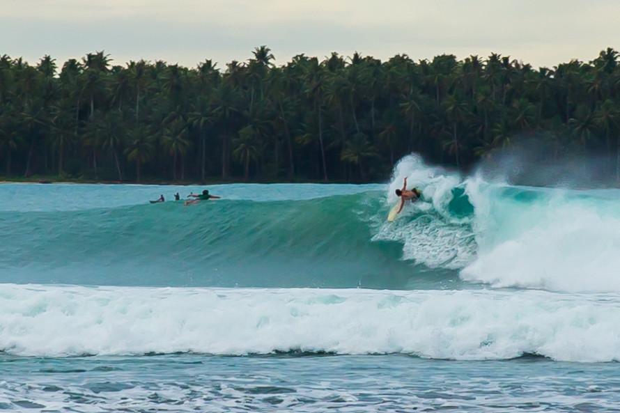 Aunque sin dudas la actividad principal de Sorake Beach, y por la que la mayoría de los que vienen visitan esta playa, es el surf.