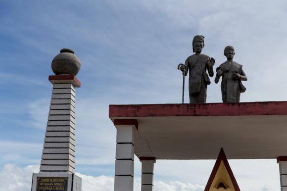 viajoscopio.com - Tuk Tuk, Samosir Island, Danau Toba, North Sumatra, Sumatra, Indonesia -165