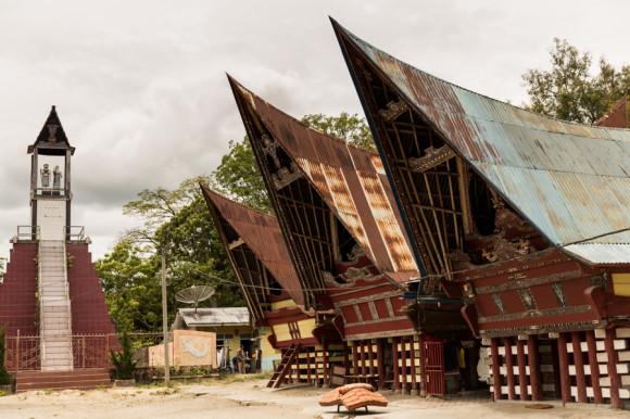 viajoscopio.com - Tuk Tuk, Samosir Island, Danau Toba, North Sumatra, Sumatra, Indonesia -252