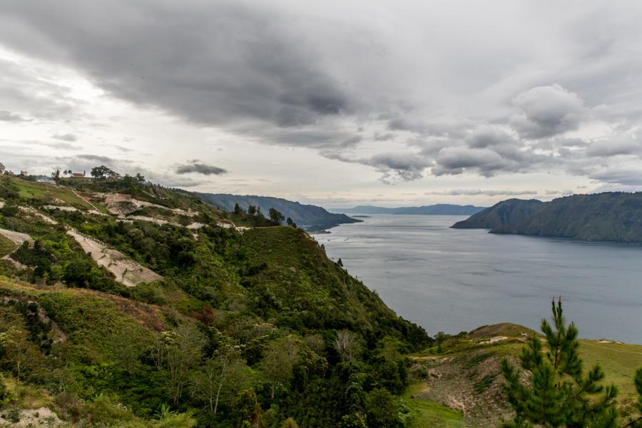 viajoscopio.com - Tuk Tuk, Samosir Island, Danau Toba, North Sumatra, Sumatra, Indonesia -339